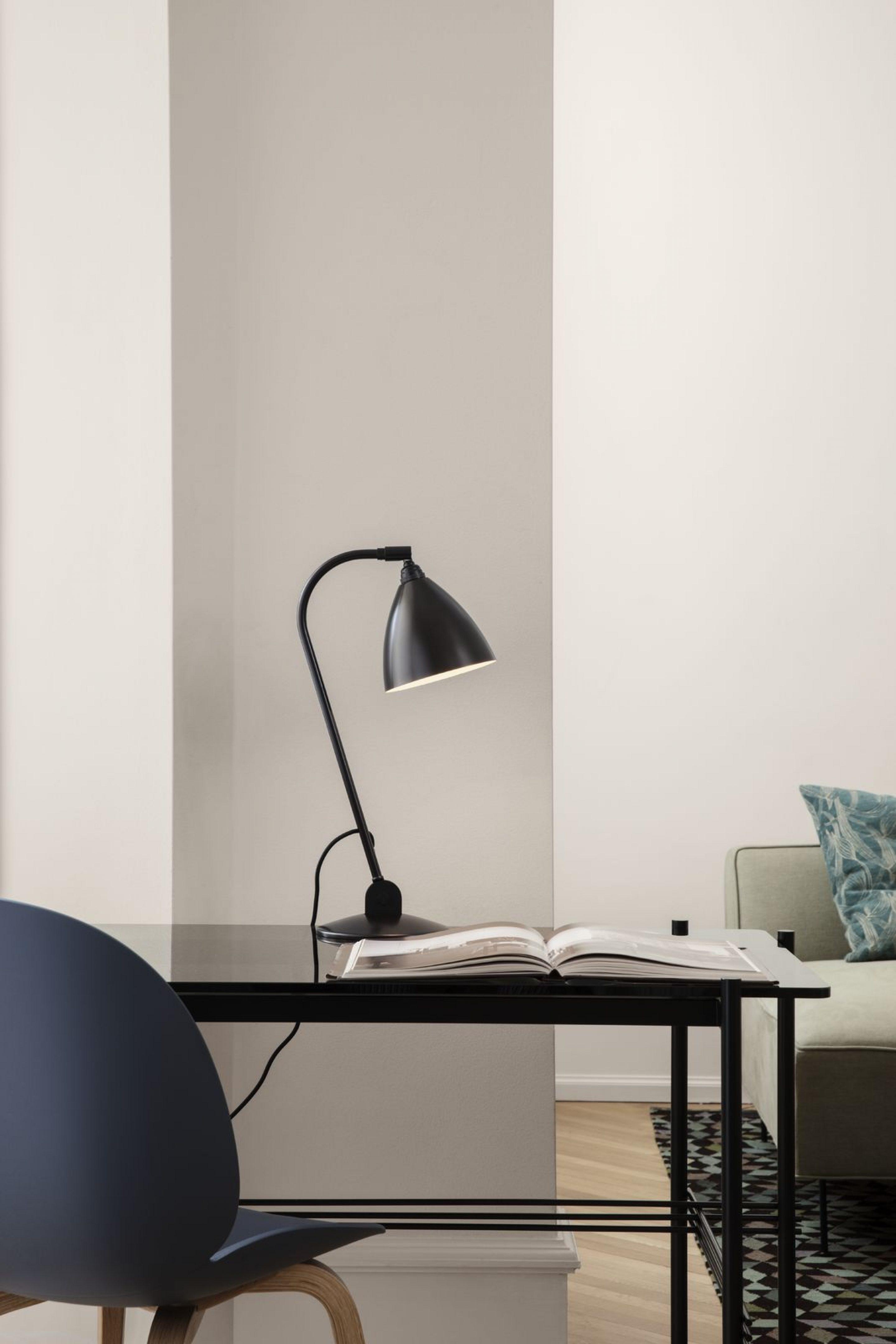 Bl2Tablelamp Tsdesk Gubidiningchairunupholsteredwoodbase 1600X1600